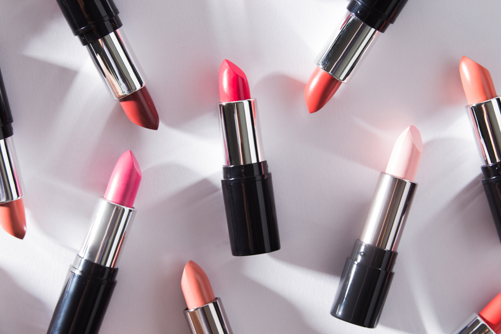 What Steps To Take To Make Your Lipstick Packaging More Attractive
